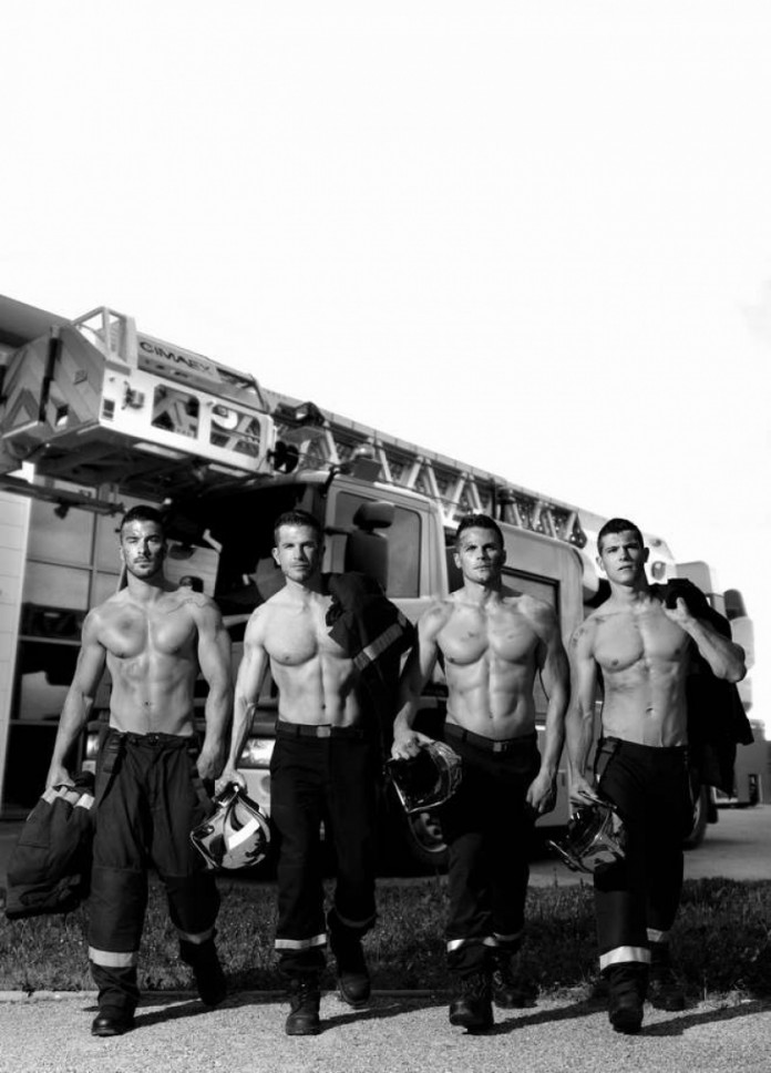 Calendario-2016-bomberos-franceses-08-696x968